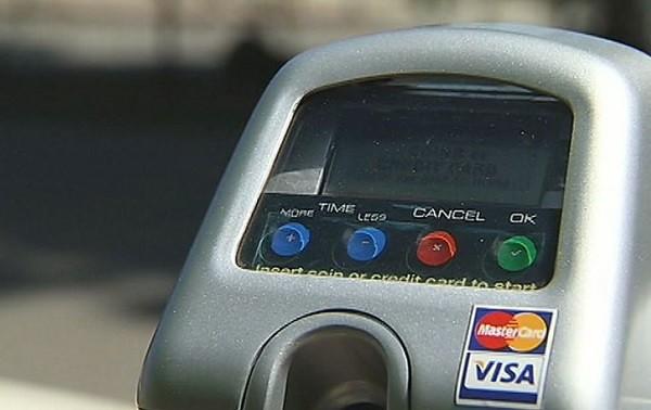 Oakland七月起調漲住宅區停車證費