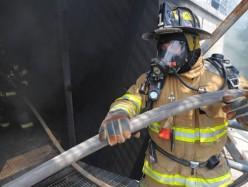 休班San Jose消防員行動及時 幫助一家逃脫火災