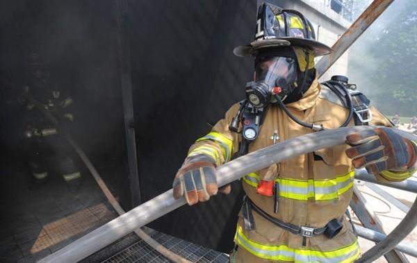 Sunnyvale一企業危險品爆炸 兩名員工受輕傷