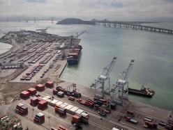 抗議者阻止以色列貨船在Oakland港卸貨