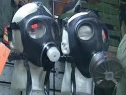 伊波拉的恐懼 人們開始買防毒面罩