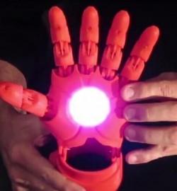5歲男孩子的美夢:超炫酷的3D打印鋼鐵俠手