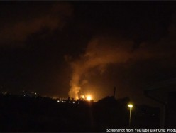 Chevron煉油廠周四晚火焰照亮天空