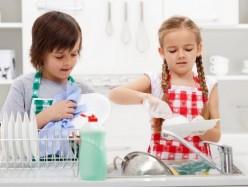 瑞典研究稱:讓孩子動手洗碗有助於減少孩子過敏症
