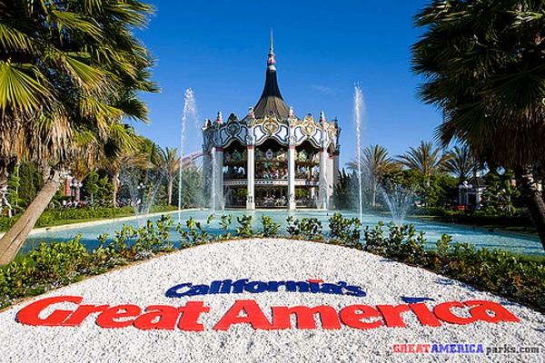 Santa Clara縣Great America慶祝建園40周年