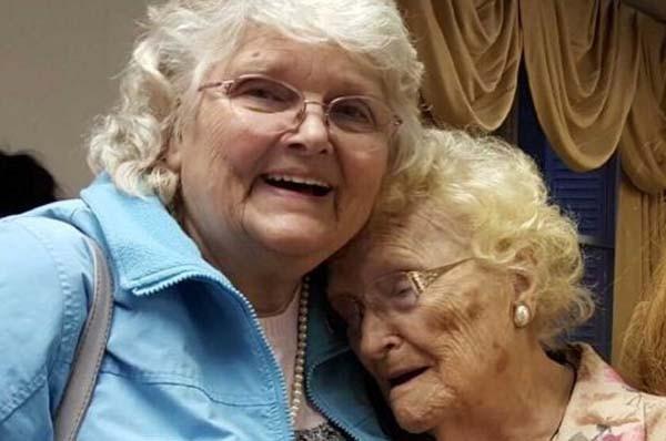 出生即被收養不棄尋找 82歲女兒終與96歲母親團圓