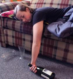 家有兒女上大學?那你可能想瞭解一下Drunkorexia﹣酗酒厭食症