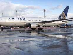 少女身穿緊身衣被United Airlins禁止登機