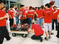 Palo Alto 的 Gunn 高中機器人隊將進軍世界大賽