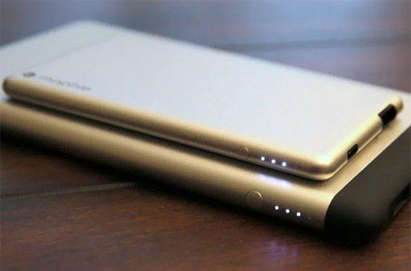 Powerstation 8X:薄過手機的移動電源
