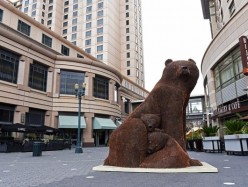 一分硬幣熊媽媽熊孩子雕塑現身San Jose市區